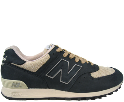 576NCV (black/hemp) right