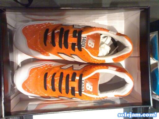 nb-1400-st33-orange-top.jpg