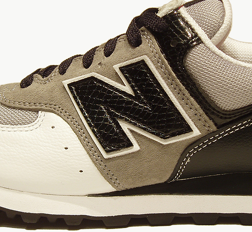 newbalanceaw06_trainer01_detail2.jpg
